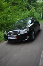 Mercedes Benz C-Klasse vs Lexus IS