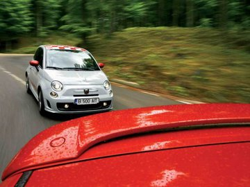 Abarth 500 vs. Swift Sport