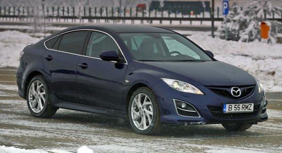 Mazda6 are un stil foarte tineresc, modern si dinamic. Prin comparatie, Passat arata prea sobru