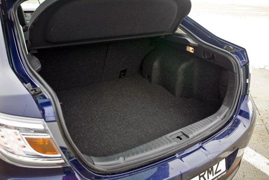 Mazda6 era in versiunea cu hayon, ceea ce inseamna un mare plus la acces si modularitate