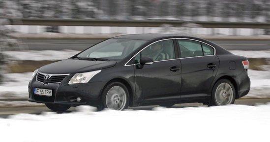 Toyota Avensis se conduce la fel de normala ca si Passat, fara pretentii de sportivitate