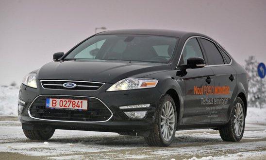 Ford Mondeo are un design ecghilibrat, modern, dar si sobru, versiunea cu hayon aratand si sportiv