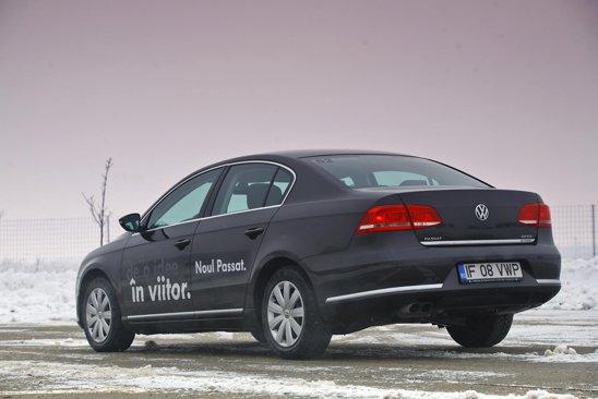 Fata de Insignia si Mondeo, VW Passat este mult prea simplist, patratos si aproape batranesc