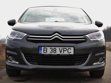 Citroen C4 înfruntă VW Golf, Opel Astra şi Mazda 3
