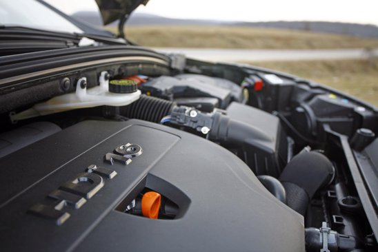 Citroen C4 2.0 HDI: 150 CP/3.750 rpm si 340 Nm/2.000-2.750 rpm