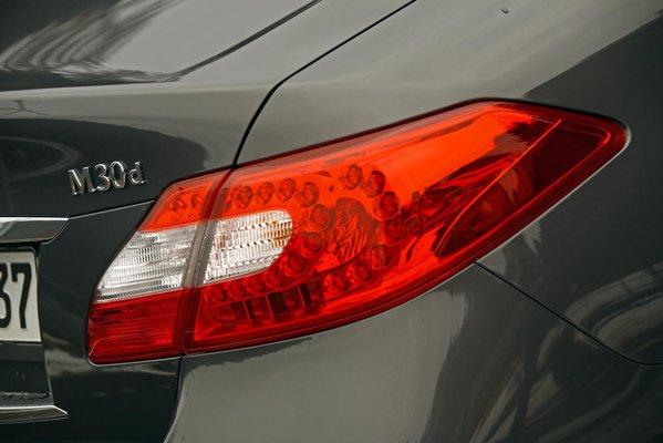Infiniti M30d are un pret de pornire de 54.650 euro, la fel cu XF D de 240 CP