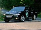 Gabaritul mare face din Skoda Octavia RS o maşină nu prea rapidă pe viraje, efectul subvirator fiind uşor sesizabil.