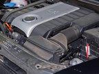 Motor turbo care beneficiază de injecţie directă, la fel ca cel de 2,3 litri de pe Mazda3 MPS. Intercoolerul este mult mai mic, la fel ca şi puterea dezvoltată: doar 200 CP faţă de 260 ai MPS-ului.