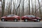 Chevrolet Aveo are un aspect mai dinamic, iar Fiat Linea arată mai masiv, inspirând spaţiu generos