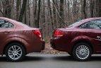 Din fericire, şi Aveo şi Linea oferă senzori de parcare, care ajută foarte mult la manevrele cu spatele