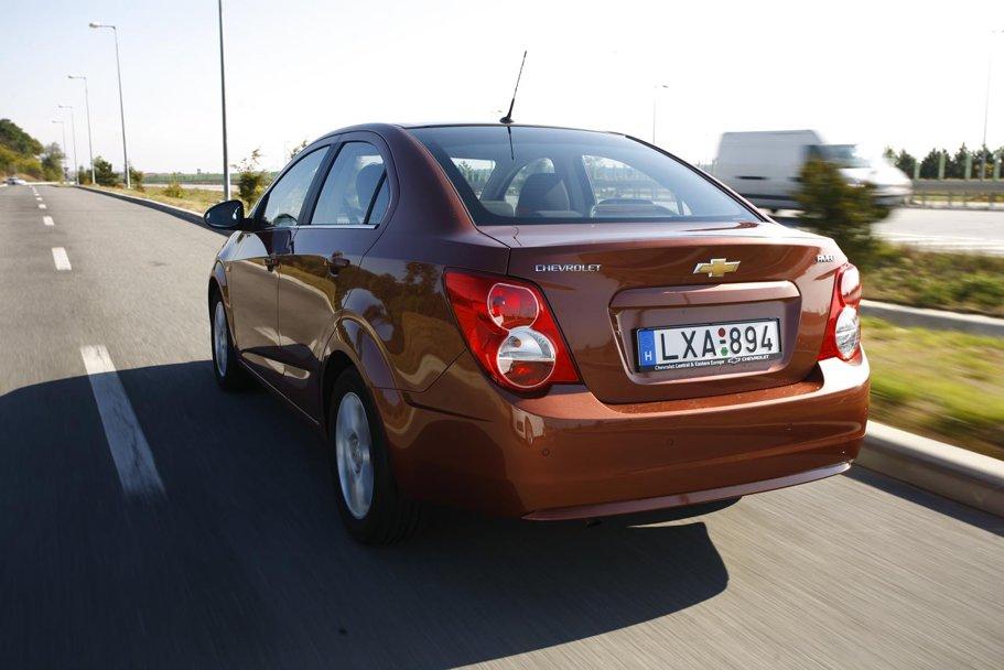 Pe autostrăzi am mers cam 1.600 km, consumul mediu la o viteză de circa 130 km/h cifrându-se cam la 7-8 litri/100 km