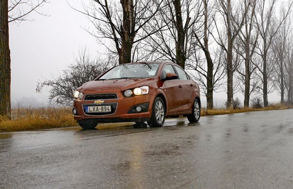 Chevrolet Aveo 1.6 AT6 - pe soselele normale ia cam 7 litri/100 km