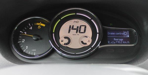 Vitezometru digital si cel mai intuitiv cruise control din clasa compacta