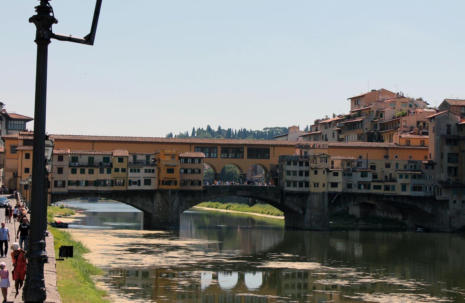 Ponte Vecchio, un pod foarte ciudat