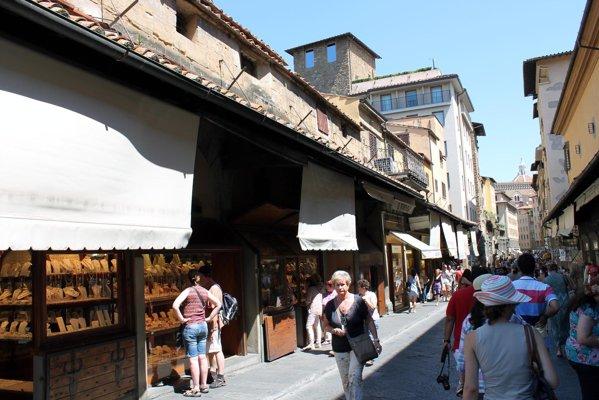 Nu e o straduta, ci Ponte Vecchio