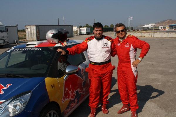 Alături de instructorul meu, pilotul francez Daniel Carret