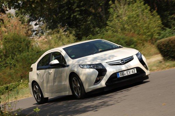 Opel Ampera - in premiera in Romania, cu ocazia workshop-ului de la Politehnica Bucuresti