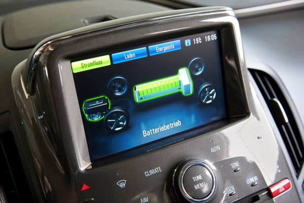 Opel Ampera ofera o autonomie maxima de 500 km, in regim combinat