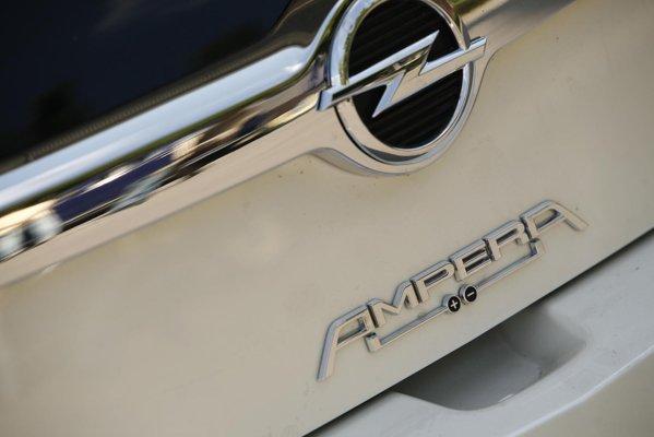 Opel Ampera va debuta pe piata din Romania in 2012, pentru un pret de 42.900 euro