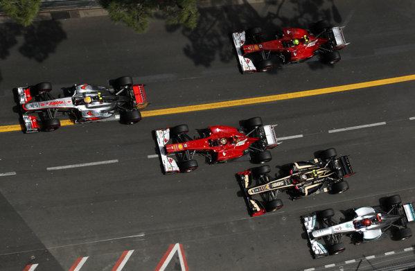 Momentul precedent accidentului lui Romain Grosjean
