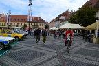 Nebunie generală pe proba de noapte de la Sibiu. Urmează Transfăgărăşanul. VIDEO