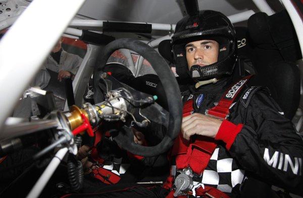 Dani Sordo la volanul maşinii de curse