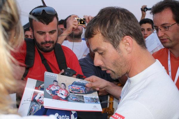 Loeb atrage hoarde de fani oriunde în lume