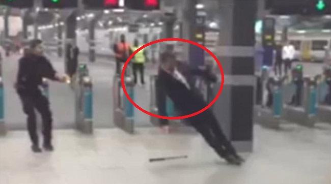 BOUREANU de Anglia, curentat într-un mare fel de Poliţie - VIDEO