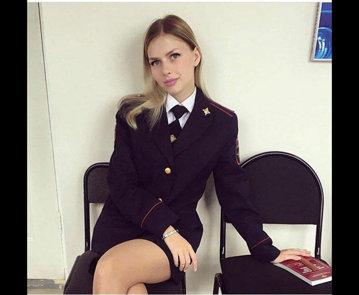 Rusoaice în uniformă pozate în pauza de masă - GALERIE FOTO