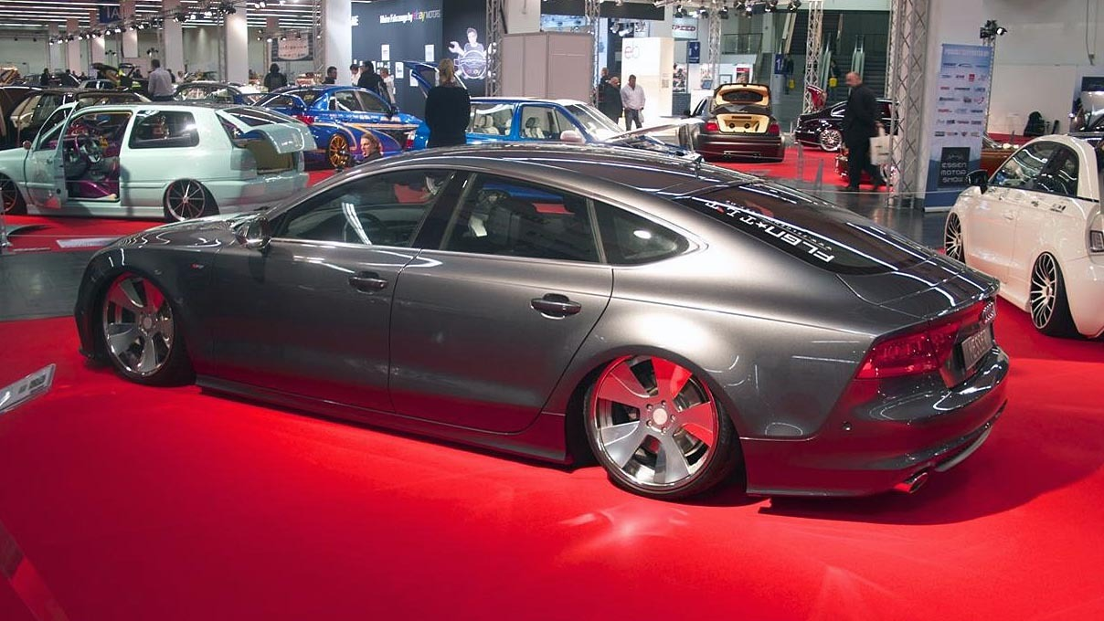 imagini tuning extrem audi a7 lowrider la essen motorshow. Black Bedroom Furniture Sets. Home Design Ideas