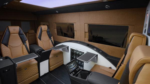 Brabus transformă utilitara Mercedes-Benz Sprinter într-un birou de lux pe roţi