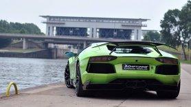În lumea supereroilor motorizaţi, acest Aventador Novitec Torado ar fi Green Hornet. Şi ar avea un ajutor pe măsură...