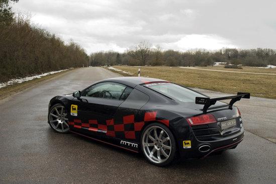 Eleron de mari dimensiuni pentru Audi R8 GT3-2