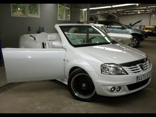 Dacia Logan Cabrio are panourile caroseriei din fibra de sticla si doar doua portiere