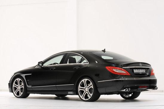 În spate, Mercedes CLS by Brabus pune accent mai mare pe sportivitate