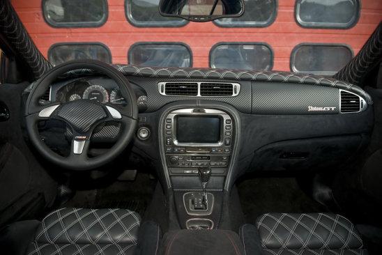 Interiorul lui Vintage GT are un volan nou si o tapiterie din piele intr-un puternic stil retro