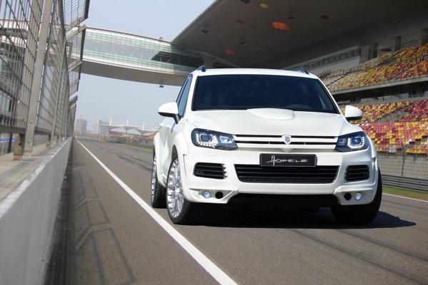 Volkswagen Touareg by Hofelle are o parte frontala destul de mult schimbata