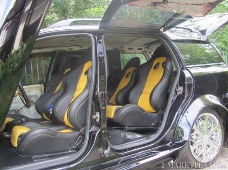 Usila fata - deschidere tip Lambo, cele din spate - tip Mercedes SLS
