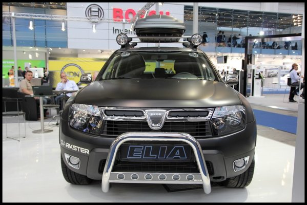 Dacia Duster Elia Darkster beneficiaza de tratament negru mat pentru caroserie