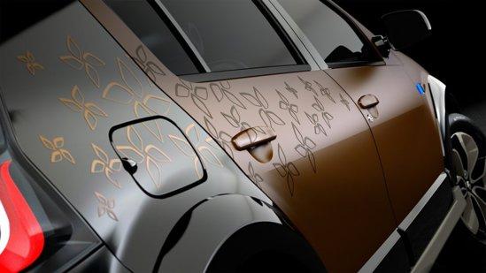 Renault Sandero StepwayConcept este finisat in negru si maroniu