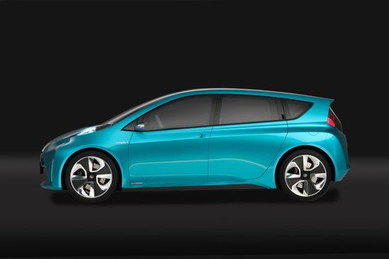 Toyota Prius C Concept prefigureaza cel de-al treilea membru al familiei Prius