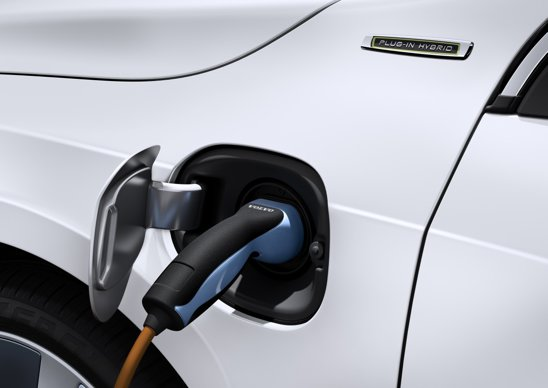 In regim strict electric, Volvo V60 diesel plug-in hybrid are o autonomie de circa 50 km