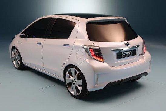 Conceptul Toyota Yaris HSD de la Geneva 2011 mizeaza pe un stil destul de agresiv