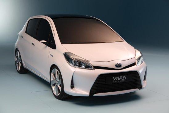 Toyota Yaris HSD prefigureaza modelul de serie din 2012 in proportie de 85%