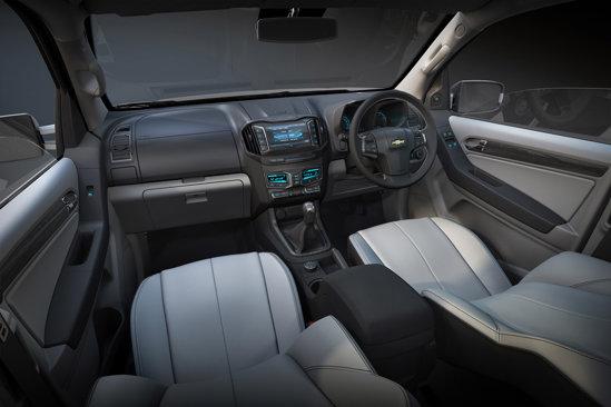 Chevrolet Colorado are un interior foarte evoluat, dar si pragmatic si ergonomic
