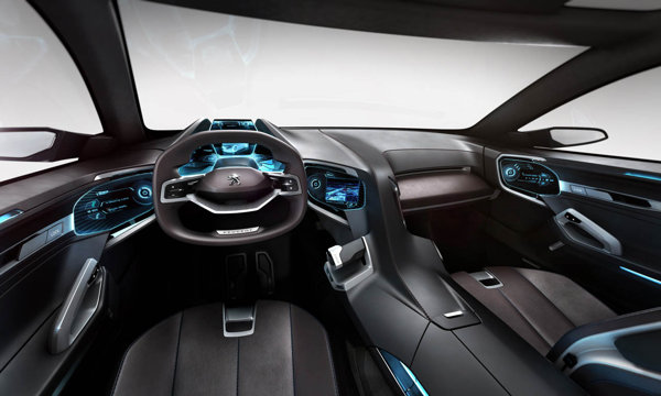 Interiorul lui Peugeot SXC are un design sofisticat, fiind conceput pentru patru pasageri