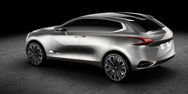 Peugeot SXC are dimensiuni generoase si un design elegant si sportiv