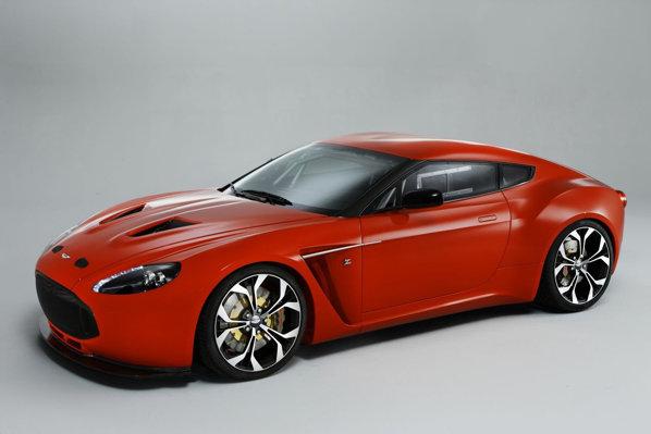 Aston Martin V12 Zagato adopta un stil mult mai aproape de spiritul racing
