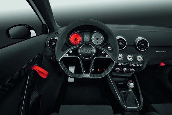 Cockpitul lui Audi A1 Clubsport quattro este pur si simplu racing