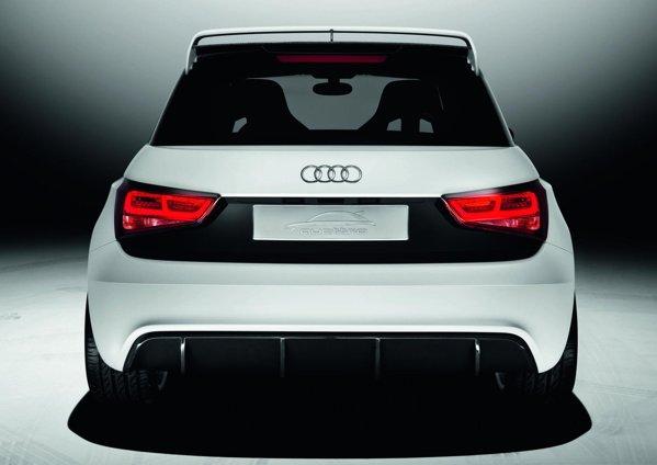 Spatele lui Audi A1 Clubsport quattro este dominat de eleronul de pe hayon si de difuzor